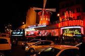 De moulin rouge beroemde cabaret en theater paris, frankrijk — Stockfoto