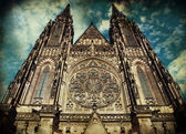 Saint Vitus Cathedral in Prague, Chezch Republic in grunge-vinta — Stock Photo