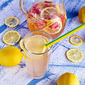 Fresh and cold ginger lemonade with strawberry — Stock Photo