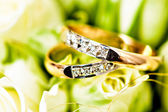 Beautiful background with wedding rings — Foto de Stock
