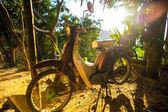 Motorrad in natürlichem licht — Stockfoto