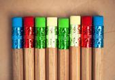Många olika färgpennor — Stockfoto