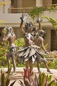 Sculpture de danseurs de hula — Photo