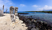 Wide Angle Tikis at Place of Refuge — Stock Photo