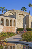 Mission San Juan Capistrano Statue and Bells — Stock Photo