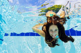 Girl Underwater — Stock Photo