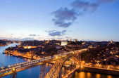 Dom Luis Bridge illuminated at night. Oporto, Portugal western E — Stock Photo