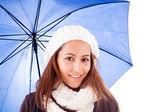 Hermosa joven vestida con ropa de invierno, aislada en blanco — Foto de Stock