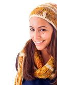Junge schöne frau gekleidet mit winterkleidung, isoliert auf w — Stockfoto