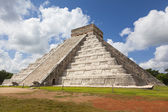 Ancient Mayan Ruin - Chichen Itza Mexico — Stock Photo