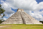 Kukulkan temple. Chichen Itza. Mexico — Stock Photo