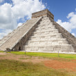 Kukulktemple. Chichen Itza. Mexico — Stock Photo #30526425