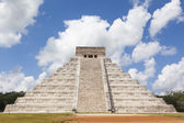 Temple of Chichen Itza — Stock Photo
