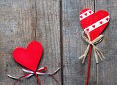 红色的心木制背景上, — 图库照片