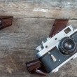 oude camera en lege Filmstrip — Stockfoto