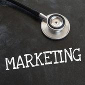 聴診器とマーケティング — ストック写真