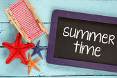 Blackboard with text Summer time — Stock Photo