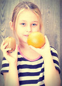 Girl with fruit  — Stock Photo