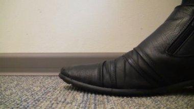Leg men stomping on the floor — Stock Video
