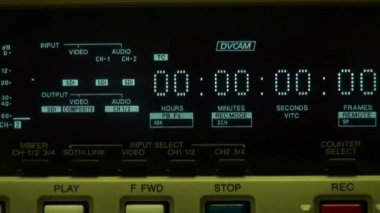 Timecode display and inserting tape — Stockvideo