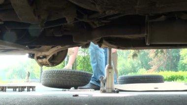 Repair of car — Stock Video