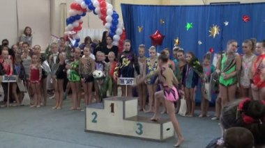 Awarding ceremony for girls, sports pedestal — Vídeo Stock