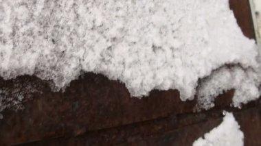 Frozen iron door, frost — Stock Video