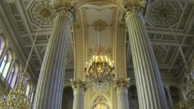The halls of state Hermitage Museum in St. Petersburg — Stock Video