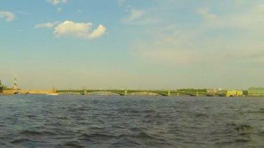 Troitsky bridge i st. petersburg — Stockvideo