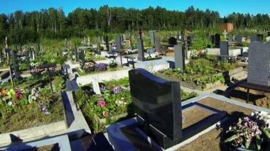 Typowe rosyjskie cmentarz — Wideo stockowe
