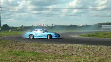Cars racing on track — Stock Video