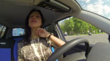 Brunette in the car — Stock Video