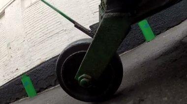 Wheel truck on the ground — Stock Video
