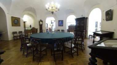 Round Table For Meetings. Kunstkamera. Saint-Petersburg — Stock Video