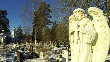 Ange du cimetière — Vidéo