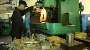 Trabajar en convertir a tienda — Vídeo de Stock