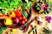Verduras frescas con ensalada — Foto de Stock
