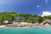 L'isola dei sogni. hotel nel verde della foresta. isola paradiso, se — Foto Stock