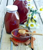 新鲜蜂蜜. — 图库照片