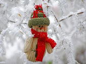 Smiling snowman in the snow — Foto de Stock