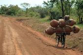 Charge lourde en Ouganda, Afrique — Photo