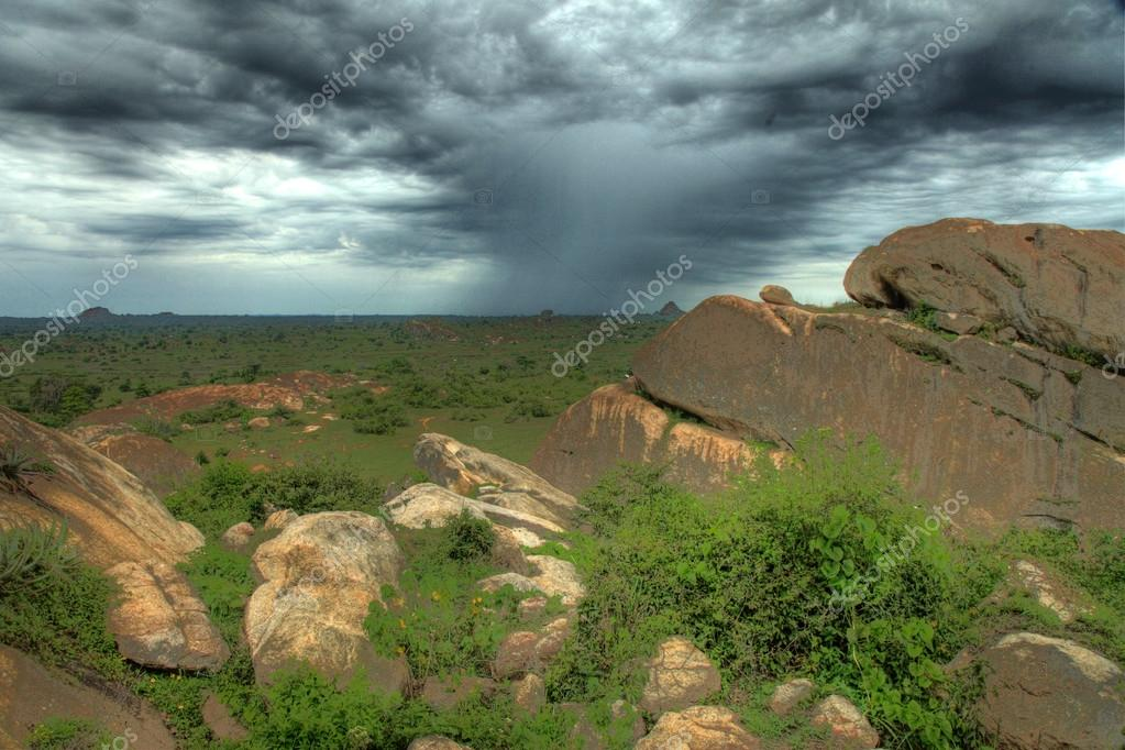 Nyero Rock Caves - Uganda - The Pearl of Africa — Stock Photo #12358090