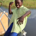 Poor Child - Abuket River, Uganda, Africa — Stock Photo