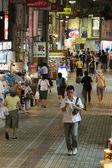 Upptagen street - staden av naha, okinawa, japan — Stockfoto