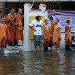 BANGKOK, THAILAND - NOVEMBER 17 : Flooding in Bangkok, Thailand — Stock Photo #12896407