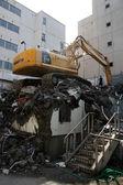 挖掘机机垃圾填埋场札幌、 日本 — 图库照片