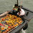 Floating Market - Halong Bay (UNESCO), Vietnam — Stock Photo