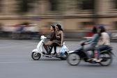 De drukke straten van hanoi, vietnam — Stockfoto