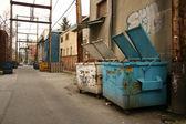 都市、bc、カナダのバンクーバーで通りの路地をバックアップします。 — ストック写真