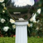 Glass Ball - Butchart Gardens, Victoria, BC, Canada — Stock Photo #14387683
